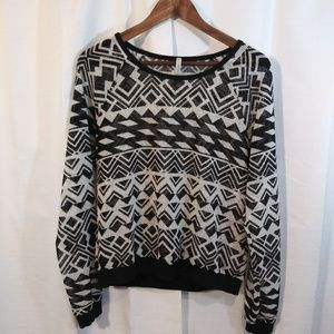 Paper Crane Black/Cream geometric mesh top